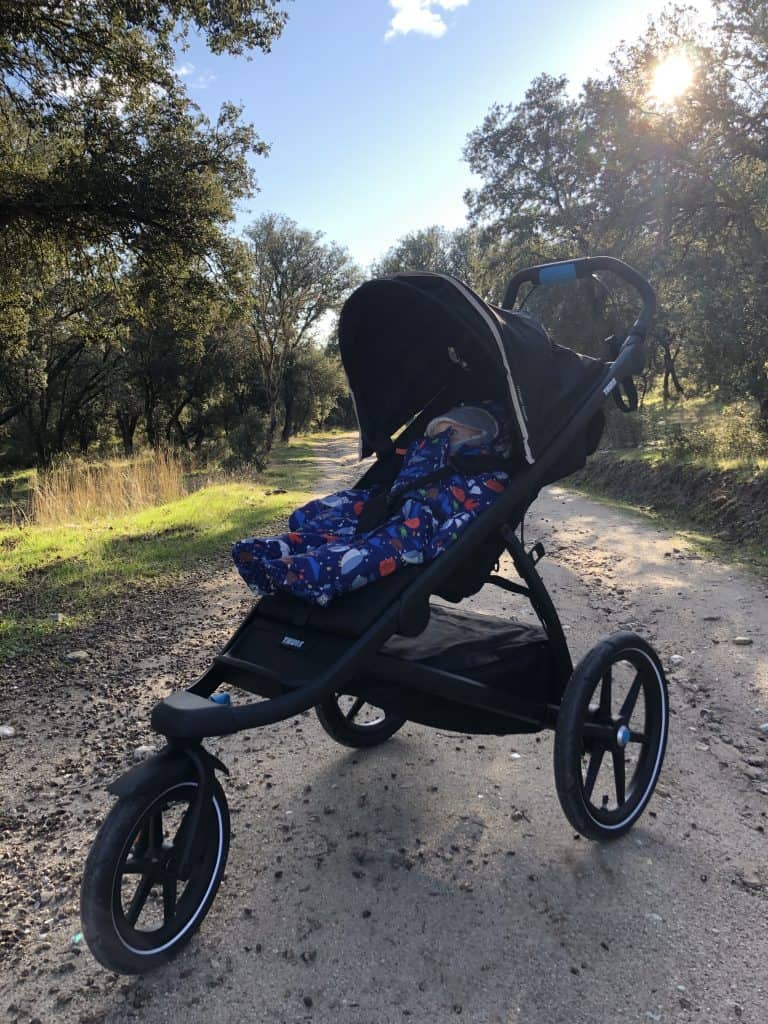 thule urban glide 2 on the trails